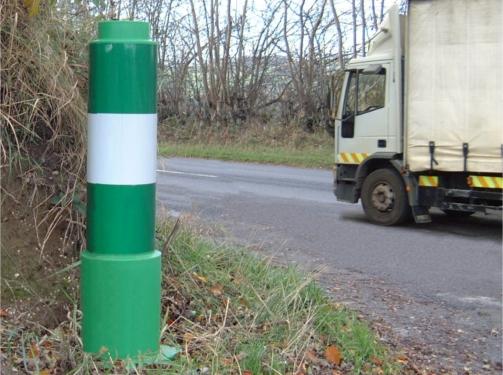 Sturdy Traffic Delineator Pole